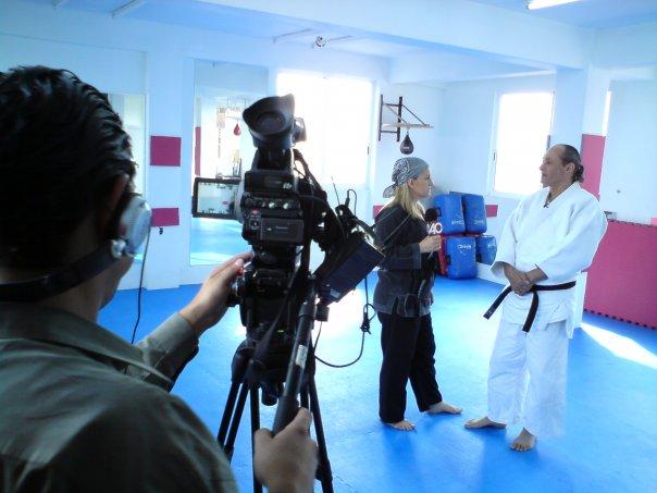 Grand Master Yaron con Ana María Salazar en el programa Seguridad Total